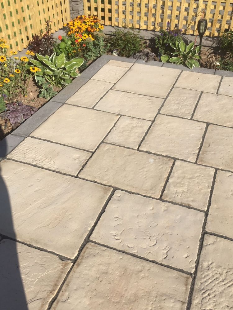 3.0m x 3.0m Premier Yorkstone Paving Natural Buff.